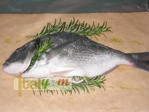 Sea bream wrapped in cooking foil 1 (Orata al cartoccio) | Seafood recipes