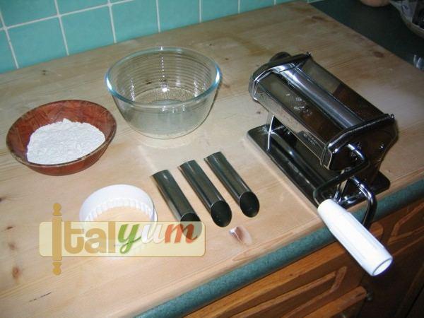 Sicilian cannoli (Cannoli siciliani) | Dessert Recipes Web Photo 1