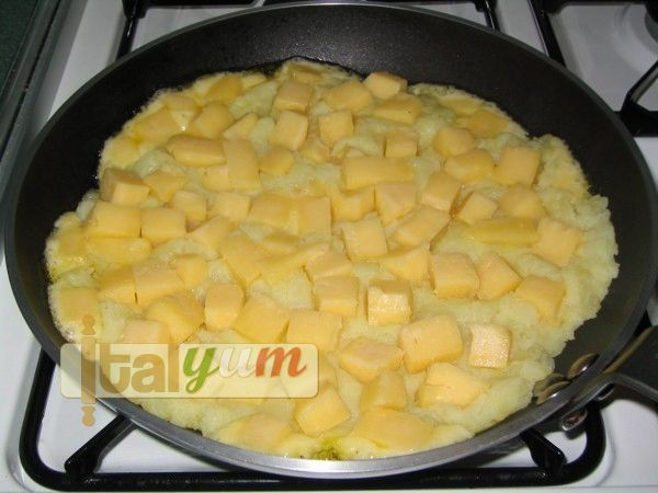 Potato and cheese fry (Frico) | Special Recipes