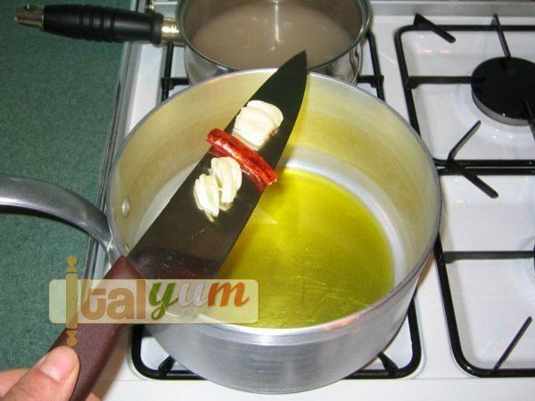 Calamaretti pasta with squid sauce | Pasta recipes