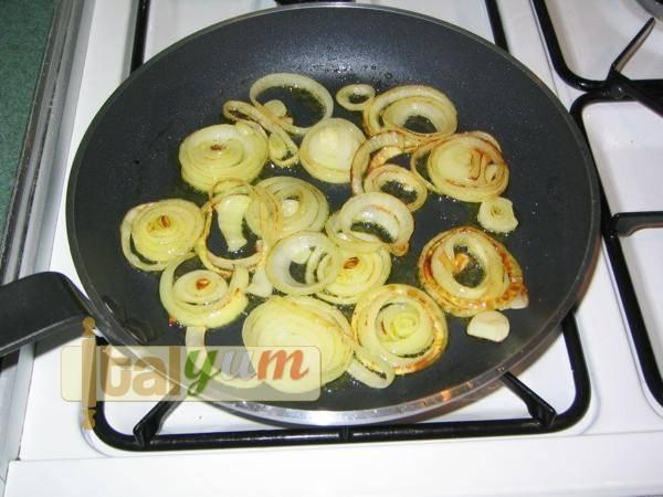 Onion Frittata (Frittata con cipolle)   Special Recipes
