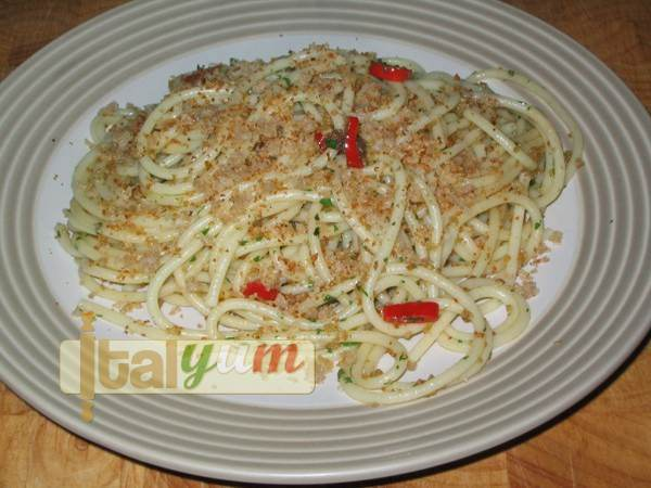 Pasta with anchovies (Pasta c'anciova e muddica) | Pasta recipes
