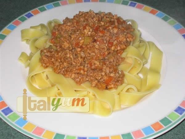 Tagliatelle bolognese (Tagliatelle con ragù alla bolognese) | Pasta recipes
