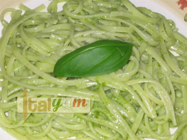 Linguine with pesto sauce (Linguine al pesto) | Pasta recipes