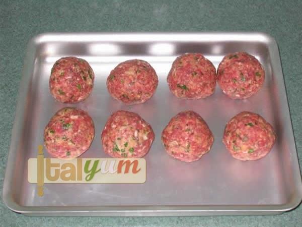 Frankie's meatballs (pasta sauce) | Meat Recipes