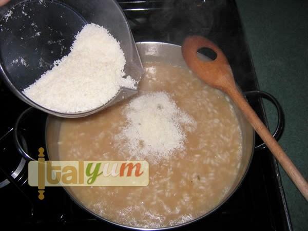 Parmesan risotto (Risotto alla Parmigiana) | Risotto recipes