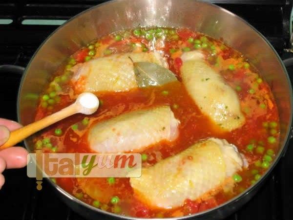 Chicken with peas (Pollo con i piselli) | Meat Recipes
