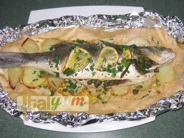Sea bass wrapped in cooking foil (Spigola/Branzino al cartoccio) | Seafood recipes