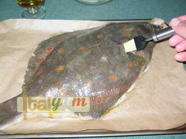 Plaice with potatoes (Rombo con patate)   Seafood recipes