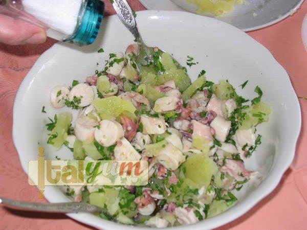 Octopus with potatoes (Polpo e patate) | Seafood recipes