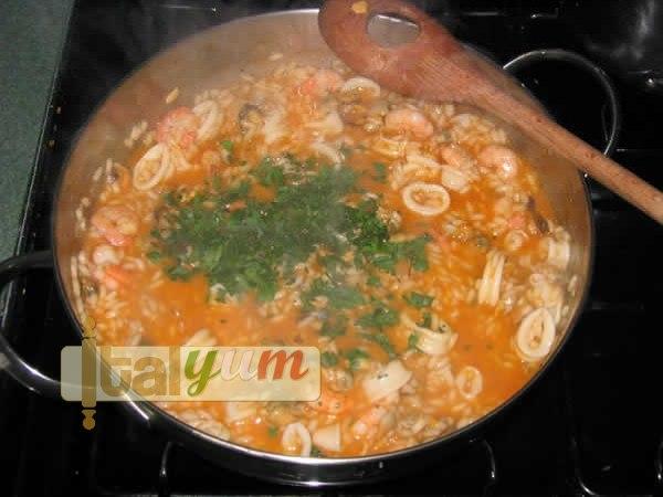 Seafood risotto (Risotto alla pescatora) | Risotto recipes