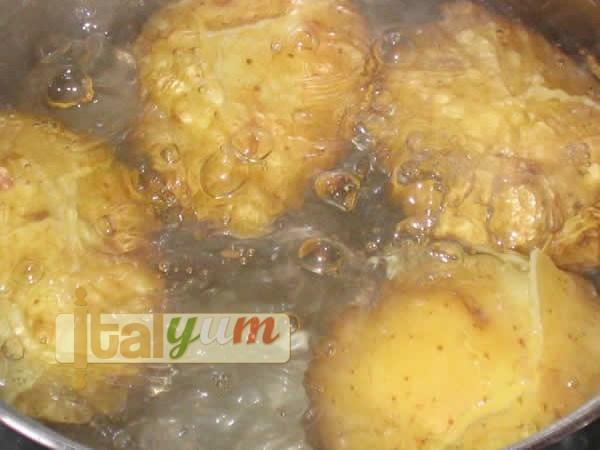 Potato gnocchi with tomato sauce | Gnocchi recipes