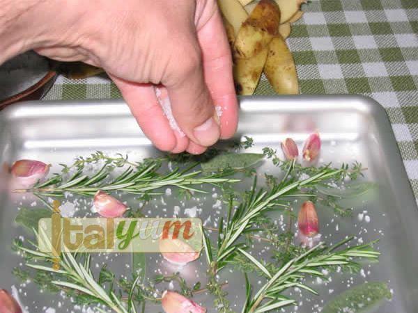 Roast potatoes Mediterranean style (Patate al forno aromatizzate)   Vegetable recipes