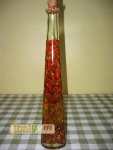 Hot chilli oil (olio di peperoncino)   Special Recipes